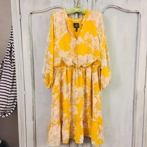 GORGEOUS Adrianna Papell Yellow Daisy Flower Dress